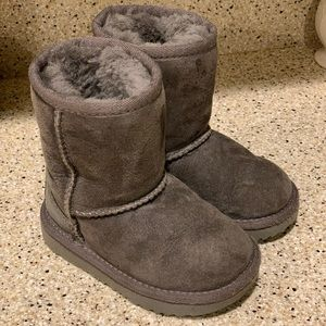 Toddler Classic Uggs